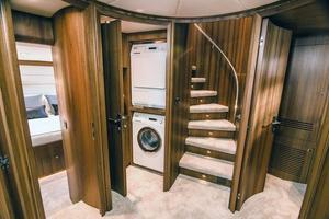 80' Johnson 80' Skylounge w/Hydraulic Platform 2020 Companionway Foyer