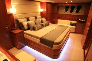 83' Johnson Flybridge W/fishing Cockpit 2020 Master stateroom