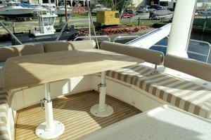 74' Fairline Squadron 2007 FLYBRIDGE DINETTE