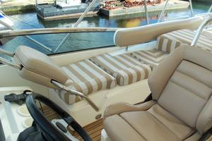 74' Fairline Squadron 2007 FLYBRIDGE REVERSIBLE SEAT