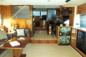 74' Fairline Squadron 2007 SALON LOOKING FORWARD