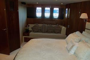 74' Fairline Squadron 2007 MASTER TO STARBOARD