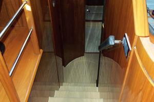 74' Fairline Squadron 2007 COMPANIONWAY TO BELOW