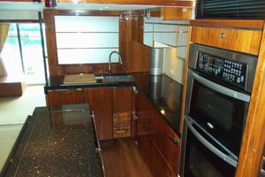 74' Fairline Squadron 2007 GALLEY