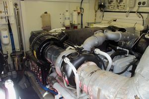 74' Fairline Squadron 2007 STARBOARD ENGINE