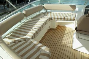 74' Fairline Squadron 2007 FLYBRIDGE PORT SIDE SEATING