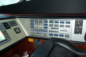74' Fairline Squadron 2007 HELM OUTBOARD
