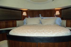 74' Fairline Squadron 2007 VIP LOOKINGFORWARD