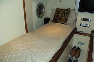 74' Fairline Squadron 2007 CREW FORWARD BERTH