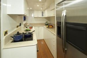 93' Johnson Rph W/on-deck Master 2020 Galley
