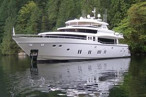 110' Johnson 110' Flybridge w/On-Deck Master 2020 At Rest