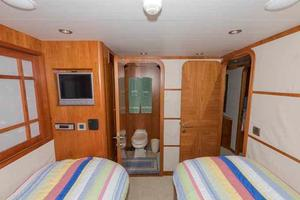 96' Hargrave Capri Skylounge 2004 Starboard Guest Looking Forward