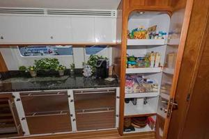 96' Hargrave Capri Skylounge 2004 Extra Refrigeration & Pantry