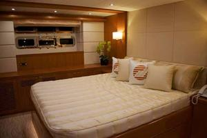 70' Johnson Skylounge Motor Yacht 2019 VIP Stateroom