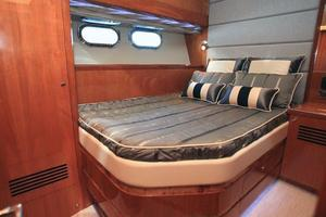 80' Johnson Flybridge W/fishing Cockpit 2020 Mid cabin