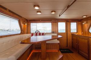 70' Marlow 70 Explorer Command Bridge 2008 Command Bridge Dinette