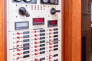 70' Marlow 70 Explorer Command Bridge 2008 Breaker Panel