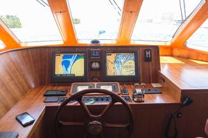 70' Marlow 70 Explorer Command Bridge 2008 Command Bridge Helm