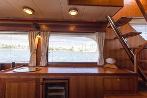 70' Marlow 70 Explorer Command Bridge 2008 Port Salon