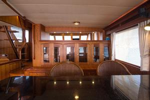 70' Marlow 70 Explorer Command Bridge 2008 Salon Bar