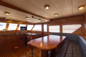 70' Marlow 70 Explorer Command Bridge 2008 Galley Dinette