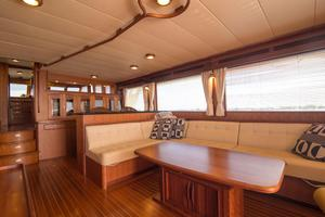 70' Marlow 70 Explorer Command Bridge 2008 Salon Seating and Table