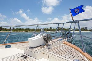 70' Marlow 70 Explorer Command Bridge 2008 Bow Deck