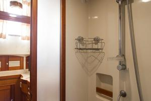70' Marlow 70 Explorer Command Bridge 2008 Master Shower