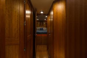 70' Marlow 70 Explorer Command Bridge 2008 Companionway to VIP