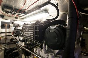 70' Marlow 70 Explorer Command Bridge 2008 Engine Room