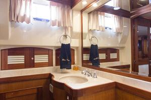 70' Marlow 70 Explorer Command Bridge 2008 Master Head