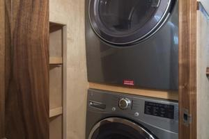 Viking 92 Convertible - Washer/Dryer