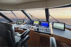 Viking 92 Convertible - Nav