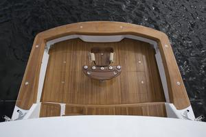 Viking 80 Convertible - Cockpit