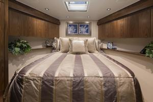 Viking 80 Convertible - Cabin