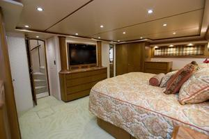 82' Viking 82 Convertible 2010 69.jpg