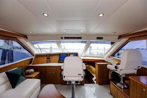 52' Viking Sport Yacht 2010 15.jpg