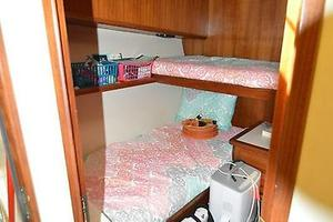 57' Viking Convertible 1990 Crew / Guest Stateroom