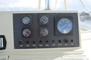 57' Viking Convertible 1990 Starboard Engine Gauge Package