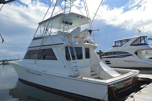 57' Viking Convertible 1990 Port Stern