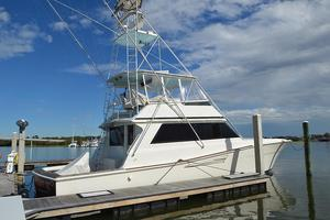 57' Viking Convertible 1990 Starboard Profile