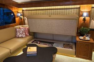 84' Jarrett Bay Custom Carolina Convertible 2019 77' Jarrett Bay Sofa Storage