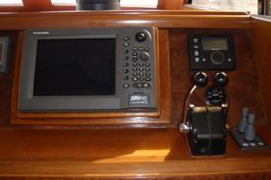 45' Ocean Alexander  2005 Lower helm