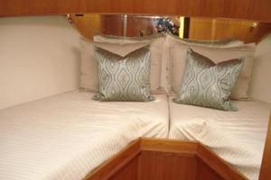 45' Ocean Alexander  2005 VIP Stateroom 1