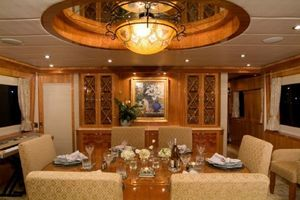 114' Hargrave Raised Pilothouse 2009 Dining Table