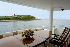 114' Hargrave Raised Pilothouse 2009 AFT Deck Seating