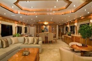 114' Hargrave Raised Pilothouse 2009 Salon