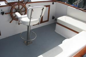 55' American Marine Alaskan 1972 Flybridge seating