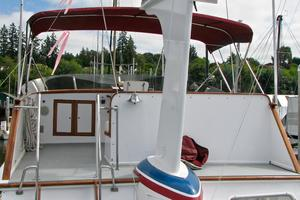55' American Marine Alaskan 1972 Flybridge from boat deck