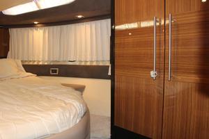 40' Marquis 40 SC 2008 Master Stateroom Hanging Locker